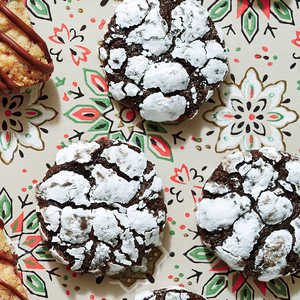 Chocolate-Peppermint Crackle CookiesRecipe