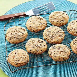 Toffee-Chocolate Chip Shortbread Recipe