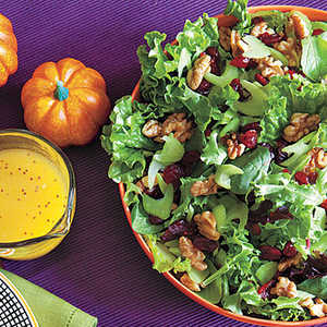 Green Salad with Celery, Walnuts and CranberriesRecipe