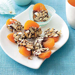 Crunchy Chocolate-Dipped Apricots Recipe