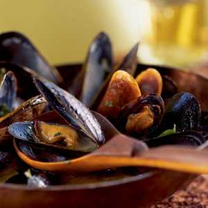 Mussels in Red Curry Broth Recipe