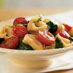 Tortellini with Spinach and Cherry TomatoesRecipe