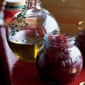 Spicy Thyme and Garlic OilRecipe