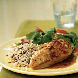 <p>Chicken with Cranberry-Port Sauce</p>