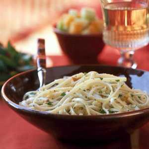 Linguine with Garlicky Breadcrumbs Recipe