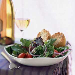 Mesclun and Romaine Salad with Warm Parmesan Toasts Recipe