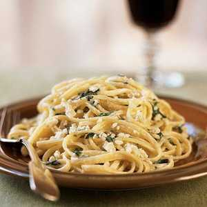 Linguine and Spinach with Gorgonzola SauceRecipe