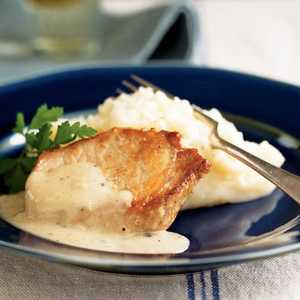 Pork Chops with Country Gravy and Mashed PotatoesRecipe