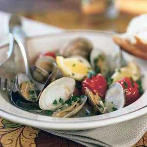 Almejas con Tomates (Clams with Cherry Tomatoes)Recipe
