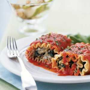 Lasagna Rolls with Roasted Red Pepper SauceRecipe