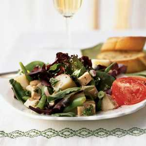 <p>Chicken, Red Potato, and Green Bean Salad</p>