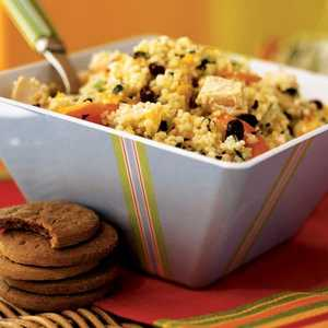 <p>Couscous Salad with Chicken and Chopped Vegetables</p>