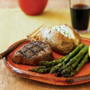 <p>Classic Steak House Rubbed Filet Mignon</p>