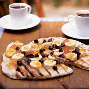 Chocolate Pizza with Apricot Preserves and Bananas Recipe