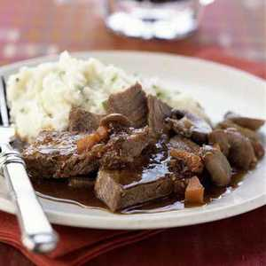 Guinness-Braised Chuck Steaks with Horseradish Mashed PotatoesRecipe