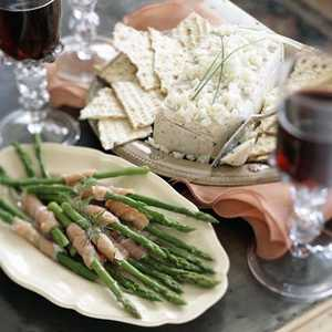 Asparagus Spears with Smoked Salmon SpiralsRecipe
