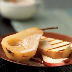Chai-Spiced Bosc Pears with Pound CakeRecipe