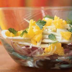 Spanish Salad of Oranges, Fennel, Red Onion, and Mint with Dressing Recipe