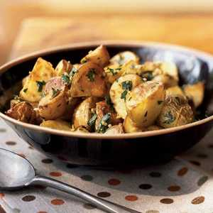Garlicky Roasted Potatoes with HerbsRecipe