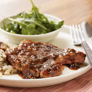 <p>Pan-Seared Pork Chops with Red Currant Sauce</p>