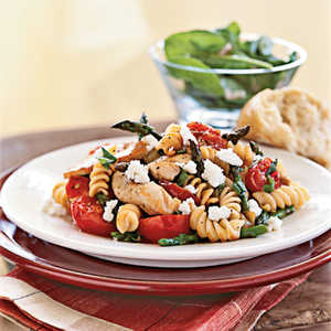 <p>Rotini with Chicken, Asparagus, and Tomatoes</p>