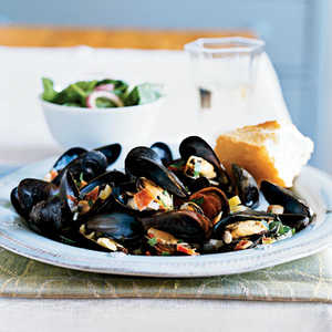 Cider-Braised Mussels with BaconRecipe