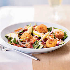 Seared Scallops over Bacon and Spinach Salad with Cider VinaigretteRecipe