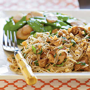 <p>Spicy Asian Noodles with Chicken</p>