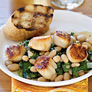 <p>Seared Scallops with Warm Tuscan Beans</p>