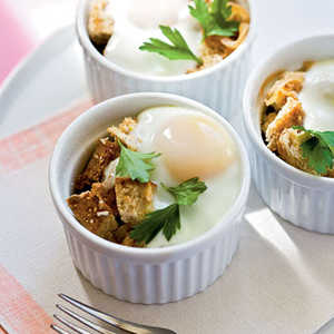 Baked Eggs en Cocotte with OnionsRecipe