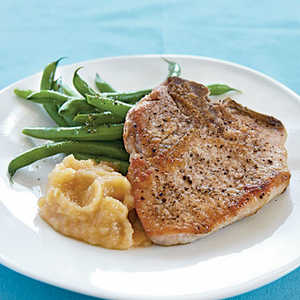 Pan-Fried Pork Chops and Homemade ApplesauceRecipe