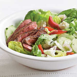 <p>Barbecue Sirloin and Blue Cheese Salad</p>