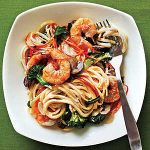 Creamy Linguine with Shrimp and VeggiesRecipe