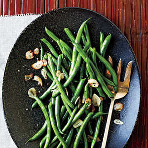 <p>Green Beans with Toasted Garlic</p>