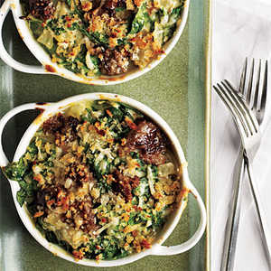 Garlicky Spinach-Sausage Gratin Recipe