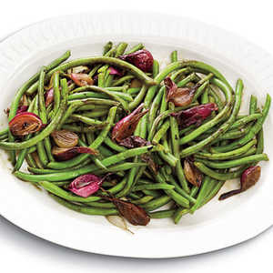 Balsamic-Glazed Green Beans and Pearl OnionsRecipe