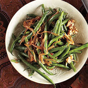 Green Beans with Caramelized Onions and Walnuts Recipe