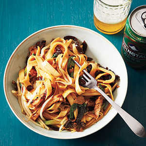 Chinese Wide Noodles with Barbecue Pork and Dried MushroomsRecipe