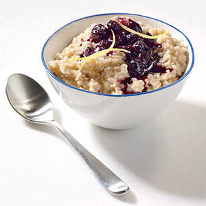 Steel-Cut Oats with Cinnamon-Blueberry Compote Recipe