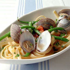 Fettuccine with Clams, Haricots Verts, and ParsleyRecipe