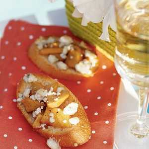 Crostini with Peaches and Blue Cheese Recipe