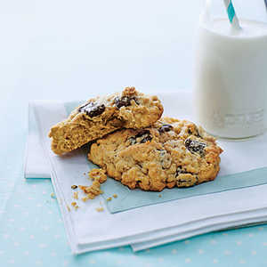 Oatmeal-Chocolate Chip Monster CookiesRecipe