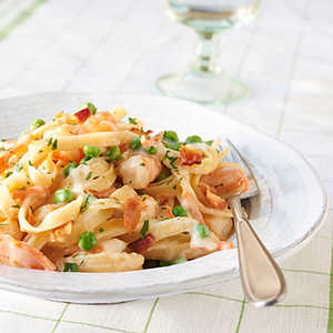 <p>Creamy Fettuccine with Shrimp and Bacon</p>