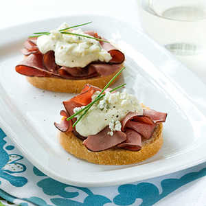 Beef and Blue CrostiniRecipe