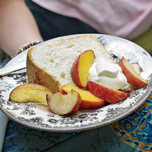 Great-Grandmother Pearl's Angel Food Cake with PeachesRecipe