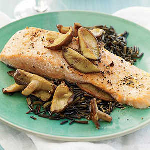 Salmon with Shiitake and Red Wine Sauce Recipe