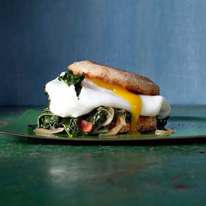 hl-Bacon-and-Egg Sandwiches with Greens