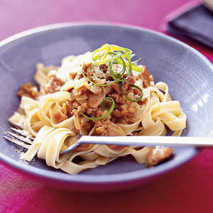 Easy Linguine With White Clam Sauce