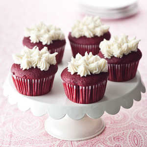 cream-cheese-frosted-cupcakes Recipe