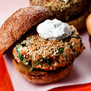 sesame-seed-crusted-salmon-burger-yogurt-sauceRecipe